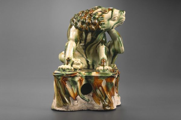 Sancai glazed lion