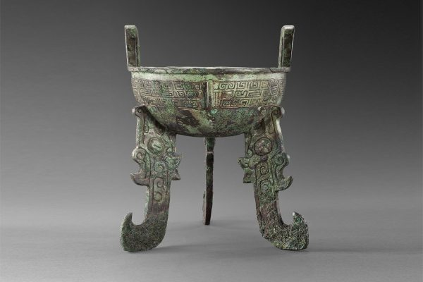 Late Shang dynasty (12/11th cent. B.C.) H. 23,9 cm